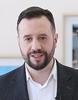 <strong>Кирилл Юрьевич Крылов </strong>